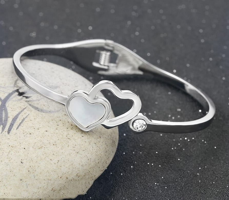 Trendy Classic Heart Shaped Bangles Stainless Steel - Luxynor.com