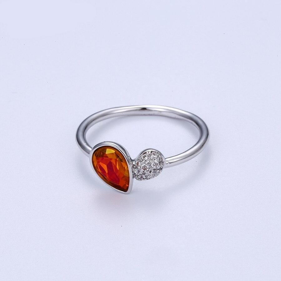 Classical Elegant Ring Party Style Crystals from Swarovski - Luxynor.com