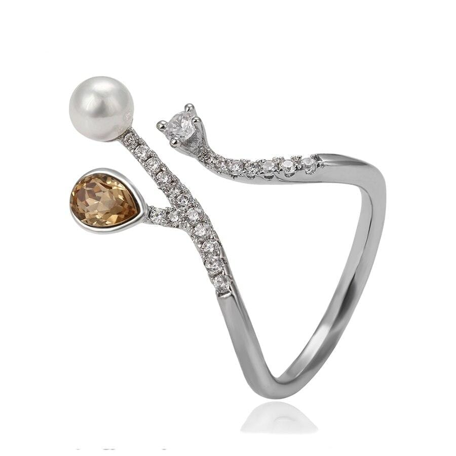 Lovely Exaggerated Fashion Ring Made By Crystals from Swarovski - Luxynor.com