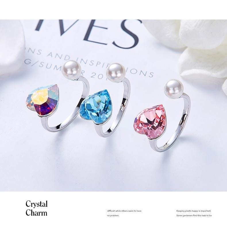 Pearl Heart Ring With Crystals from Swarovski - Luxynor.com